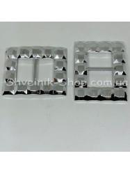 Пластиковая протяжка  Цвет: серебро Размер: длина 7,3 см ширина 6 см внутренняя ширина 3 см в упаковке 100 шт цена за упаковку